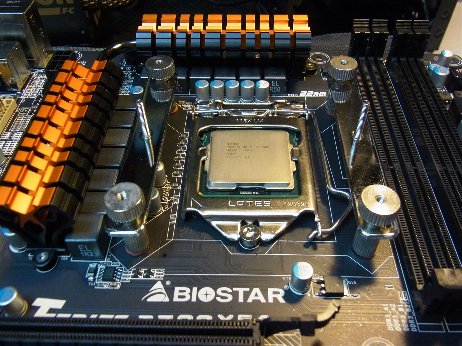 BIOSTAR TZ77XE4 CPU周り