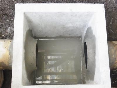 雨水桝 埋設 コンクリ 穴あけ 集水 排水口 配管 配水 根っこ 原因 土砂 汚泥 管 詰まり 閉塞 雨水桝 コンクリート 継手 インクリーザー 塩化ビニール VU管 接着剤 塩ビ管